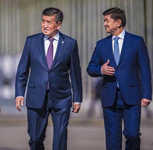 Президент Сооронбай Жээнбеков, премьер-министр Мухаммедкалый Абылгазиев и спикер Жогорку Кенеша Дастан Джумабеков. Архивное фото
