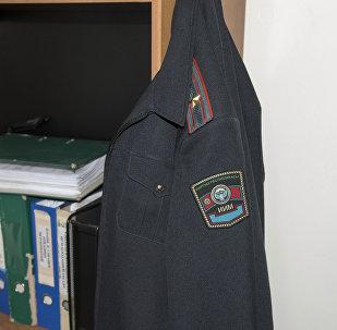 Милиция кызматкеринин формасы. Архивдик сүрөт
