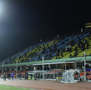Зрители на стадионе Спартак. Архивное фото