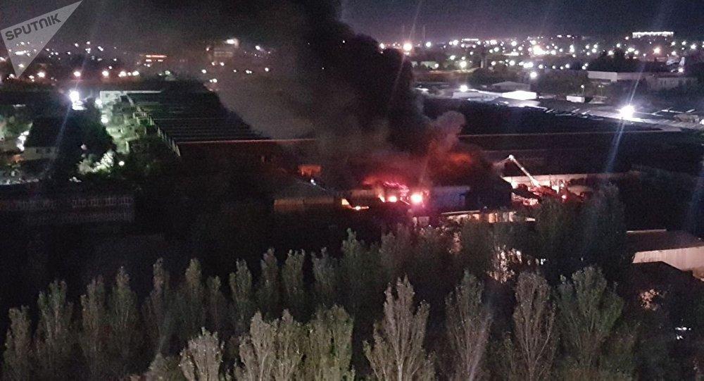 Пожар на рынке Мадина в Бишкеке