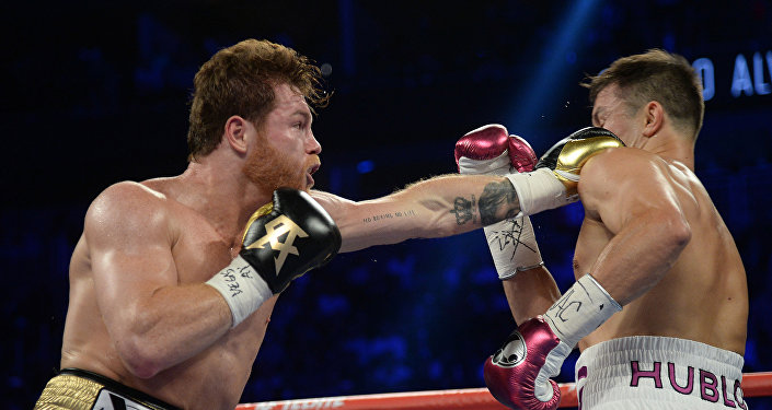 Боксерский поединок Геннадия Головкина и Сауля Альвареса