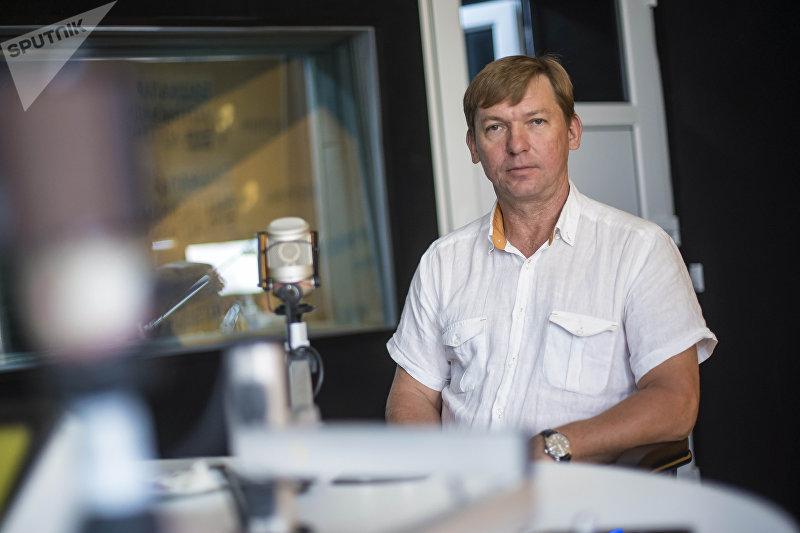 Учредитель завода по производству легких металлических конструкций Александр Степанюк во время интервью на радиостудии Sputnik Кыргызстан