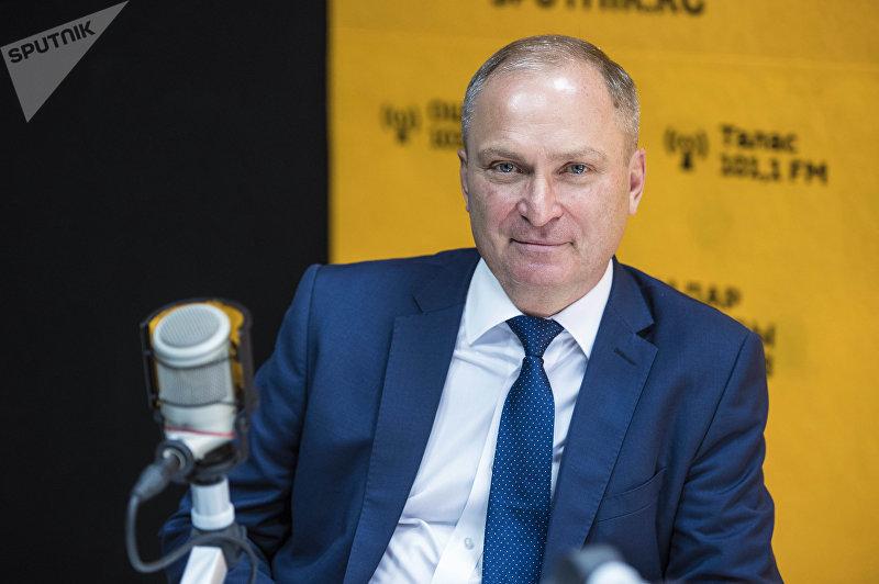 Глава торгового представительства РФ в КР Валерий Латыпов во время интервью на радио Sputnik Кыргызстан