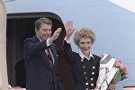 Архивное фото президента США Рональда Рейгана с супругой