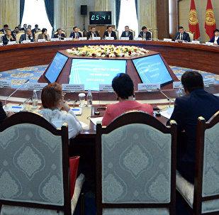 Встреча Жээнбекова с представителями бизнес-сообщества КР в госрезиденции Ала-Арча