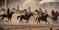Участники фольклорного фестиваля Көчмөндөр ааламы в рамках III всемирных игр кочевников. Архивное фото