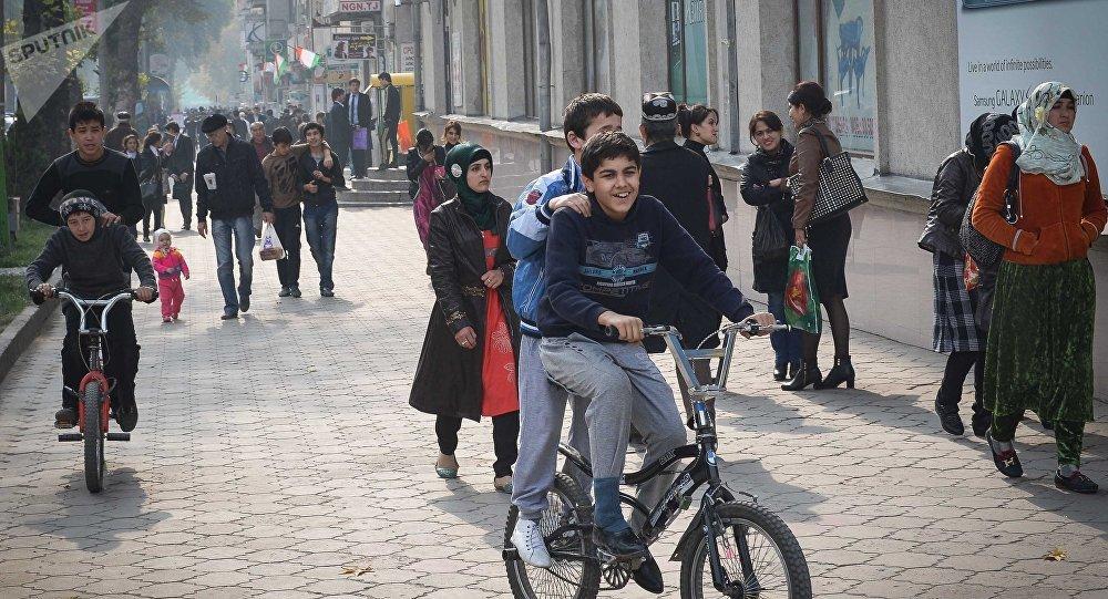 Кыргызстанцы смогут находиться в Таджикистане 60 дней без регистрации