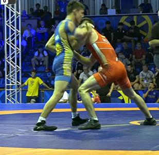 Уложил соперника за 68 секунд — как кыргызстанец вышел в финал ЧМ. Видео
