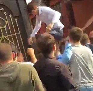 Массовая драка со стрельбой на чеченской свадьбе. Видео