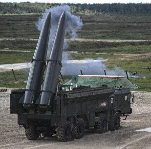 Россия Искандер-М ракеталык комплекси. Архивдик сүрөт