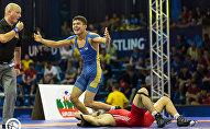 Борец греко-римского стиля из Кыргызстана Эрбол Бакиров стал победителем молодежного чемпионата мира в весовой категории до 63 килограммов. В финальной схватке кыргызстанцу противостоял египтянин Хассан Ахмед Мохамед