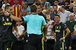 Нападающий итальянского клуба Ювентус Криштиану Роналду во время игры первого тура группового этапа ЛЧ Ювентус — Валенсия