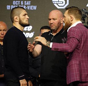 Пресс-конференция чемпиона UFC в легком весе россиянина Хабиба Нурмагомедова и ирландского бойца Конора Макгрегора