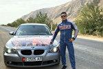 В Оше борцу греко-римского стиля Акжолу Махмудову подарили автомобиль BMW в знак признания его заслуг на Чемпионате мира по спортивной борьбе