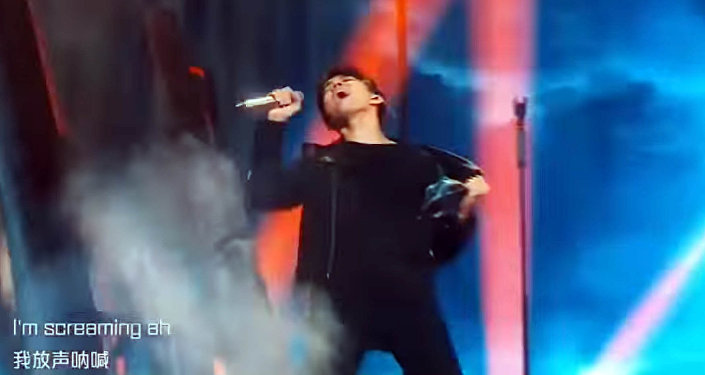 Певец Димаш Кудайберген зачитал рэп на казахском на шоу в Китае. Видео