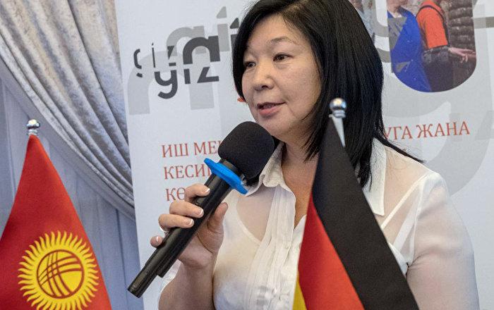 Замминистра труда и социального развития КР Зууракан Каденова. Архивное фото