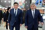 Президент КР Сооронбай Жээнбеков и глава МИД Эрлан Абдылдаев в городе Нью-Йорк, где примут участие в Общих дебатах 73-й сессии Генеральной Ассамблеи ООН