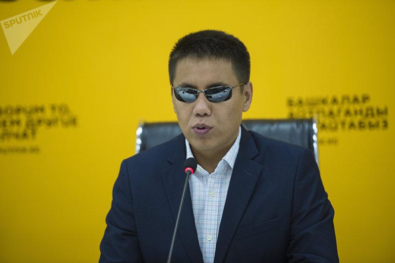 Депутат Жогорку Кенеша Дастан Бекешев на пресс-конференции в мультимедийном пресс-центре Sputnik Кыргызстан