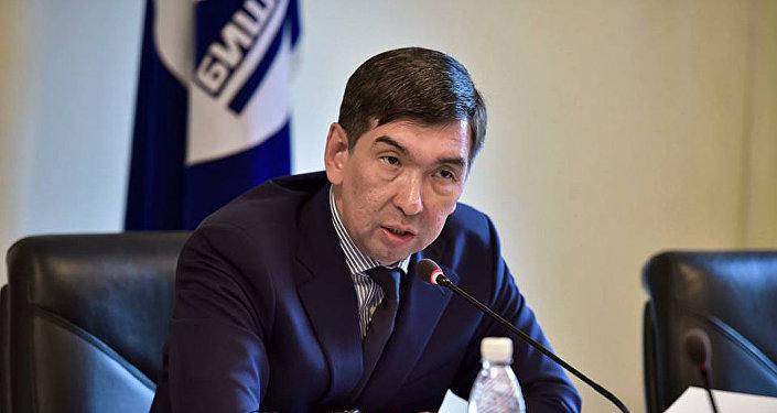 В зале заседаний столичного муниципалитета под председательством градоначальника Азиза Суракматова. Архивное фото