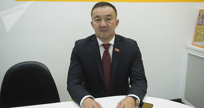 Лидер фракции Республика — Ата-Журт Жыргалбек Турускулов