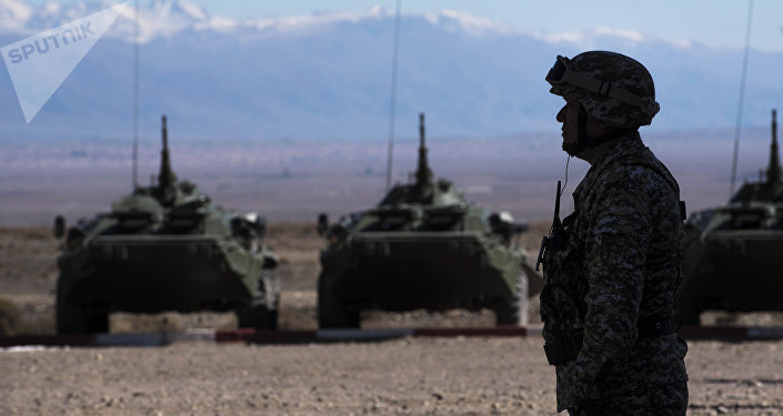 Военнослужащий на учениях. Архивное фото