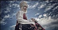 Фотосъемка кыргызской традиционной одежды в Иссык-Кульской области