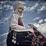 Крис Рейнир: кыргыздар улуттук кийимдерин сыймыктануу менен киет экен