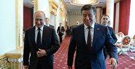 Президент Кыргызстана Сооронбай Жээнбеков во время встречи с главой РФ Владимиром Путиным в Душанбе