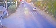 Объезжал корову — на видео попал момент смертельного наезда на ребенка в Оше