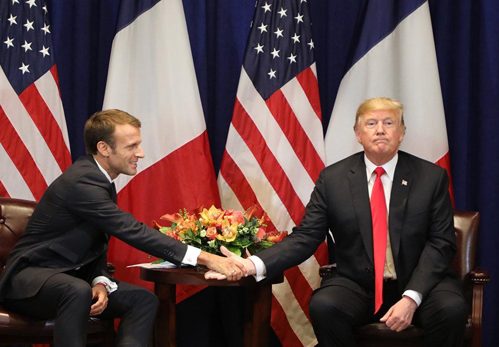 Франциянын президенти Эммануэль Макрон АКШ президенти Дональд Трамп менен Нью-Йорк шаарында жолукту