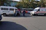 В центре Бишкека грузовой микроавтобус Mercedes-Benz сбил инспектора Управления обеспечения безопасности дорожного движения ГУВД столицы