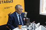 Избранный омбудсмен КР Токон Мамытов во время интервью на радио Sputnik Кыргызстан