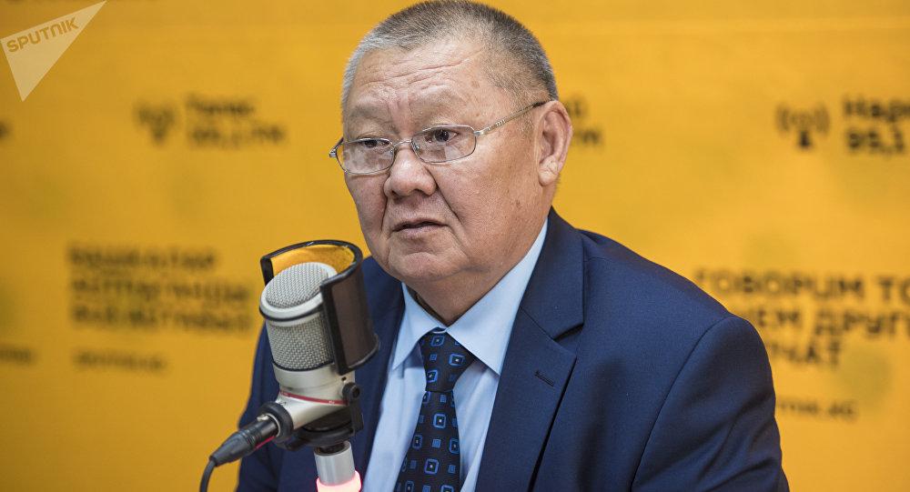 Архивное фото омбудсмена Кыргызстана Токона Мамытова