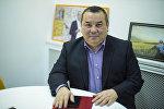 Руководитель аппарата мэрии города Бишкек Балбак Тулобаев во время беседы