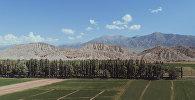 Горный хребет на границе Иссык-Кульской и Нарынской областей