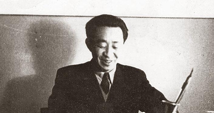 Заслуженный деятель науки КР, исследователь эпоса Манас Болот Юнусалиев