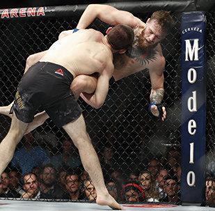 UFC мушкерлери Конор Макгрегор жана Хабиб Нурмагомедов. Архивдик сүрөт