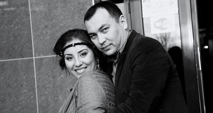 Погибший в ДТП Темир Джумакадыров с супругой Норой Суюналиевой
