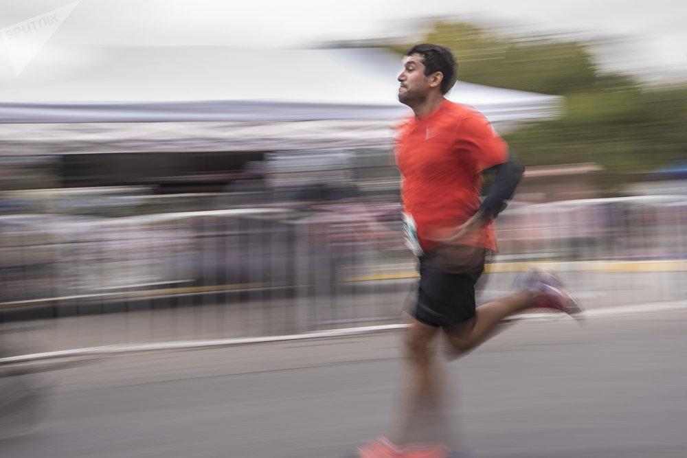 Мол Булак Күз Деми — 2018 эл аралык марафонун спорт менен сергек жашоону жайылтуу максатын көздөгөн Тонус фондусу уюштурган.