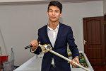 Казахстанский школьник Алихан Рахметов изобрел умную трость для незрячих и слабовидящих