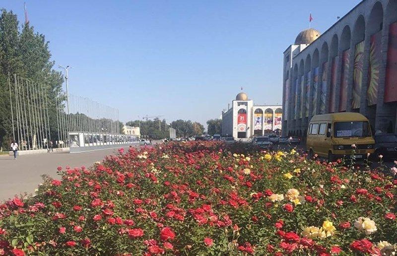 Вид на площадь Ала-Тоо в центре Бишкека