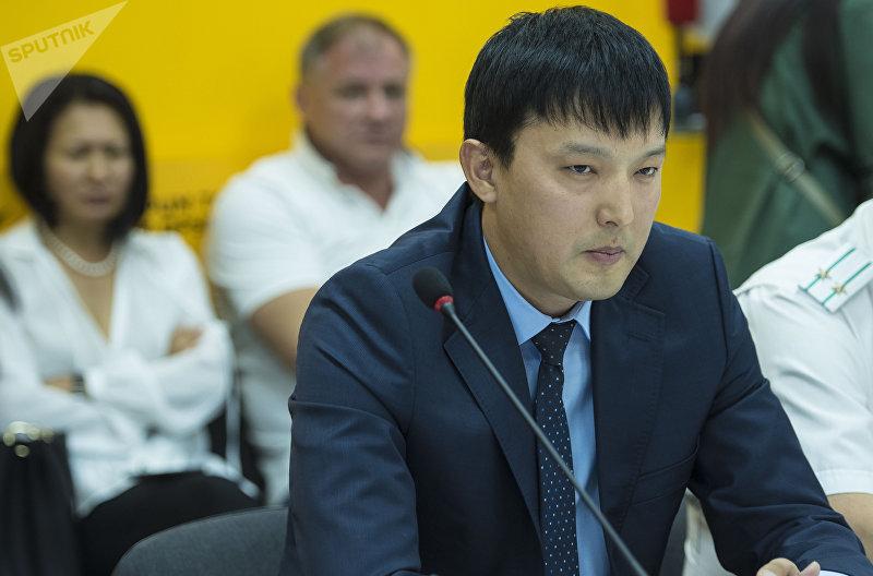 Президент Ассоциации птицеводов КР Рустам Осмоналиев во время круглого-стола в мультимедийном пресс-центре Sputnik Кыргызстан