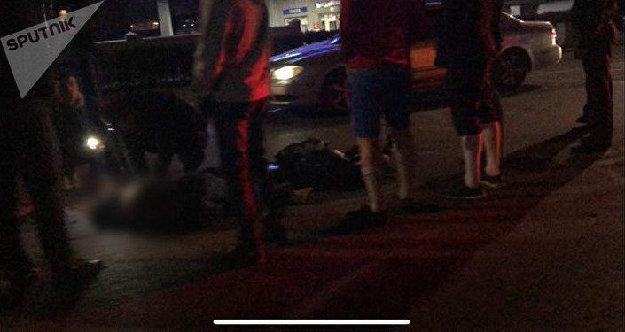 В Бишкеке на пересечении улиц Медерова и Жукеева-Пудовкина неизвестный водитель сбил женщину