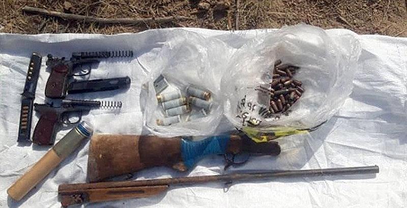 Сотрудники Госкомитета национальной безопасности обнаружили схрон оружия в селе Озерном недалеко от Бишкека