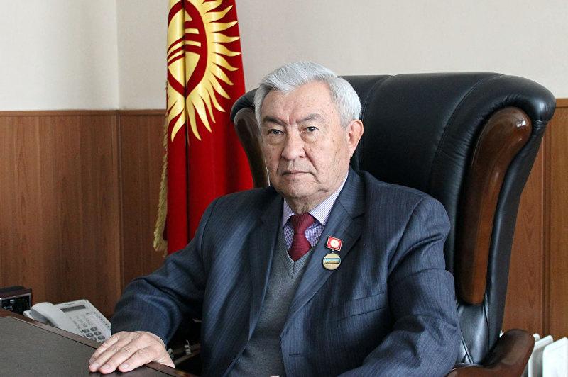 Профессор, заведующий кафедрой общественного здоровья и здравоохранения медицинского факультета КРСУ Накен Касиев