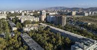 Вид на многоэтажные дома в южном микрорайоне Бишкека. Архивное фото
