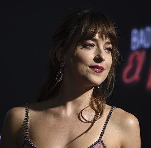 Американская актриса Дакота Джонсон на премьере фильма режиссера Дрю Годдарда Ничего хорошего в отеле Эль Рояль в Лос-Анджелесе. 22 сентября 2018 года
