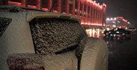 Мокрый снег в Бишкеке. Архивное фото