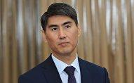 Министр иностранных дел Кыргызстана Чынгыз Айдарбеков во время избрания в ЖК