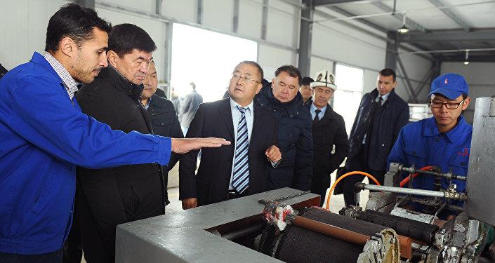 Совместное кыргызско-китайское предприятие Салют Компани начнет производить промышленные взрывчатые вещества Аммонит Салютит А-150 в патронированном и Аммонит Салютит В в порошкообразном виде